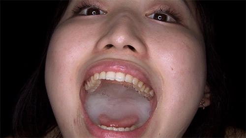 ビタ消し、舌が長い女のフェラチオと精子の飲み方がエロ過ぎた